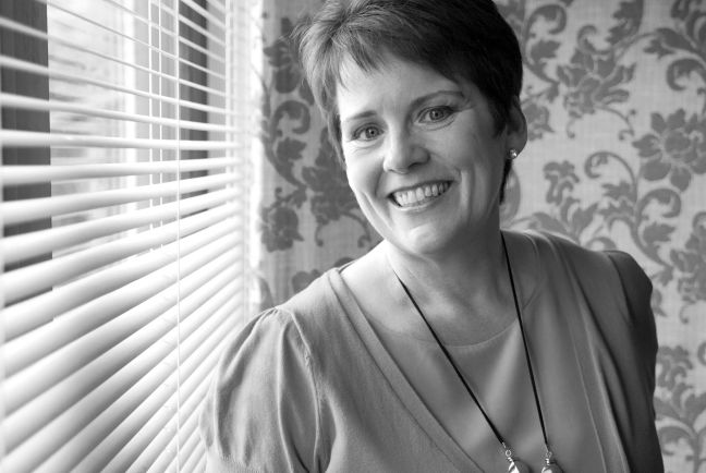 Julie Foster-68